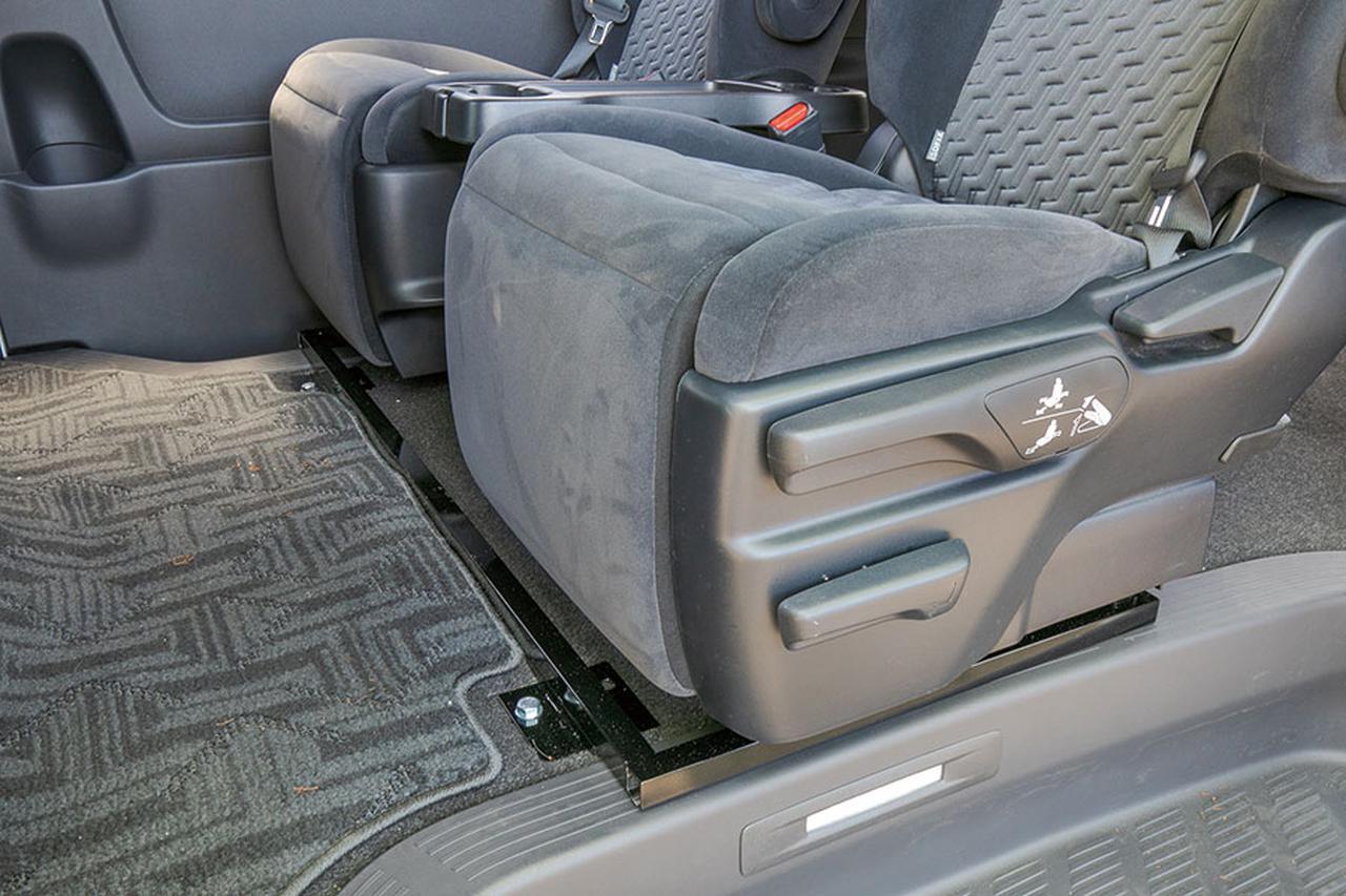 画像2: セカンドシートが超快適仕様に変貌