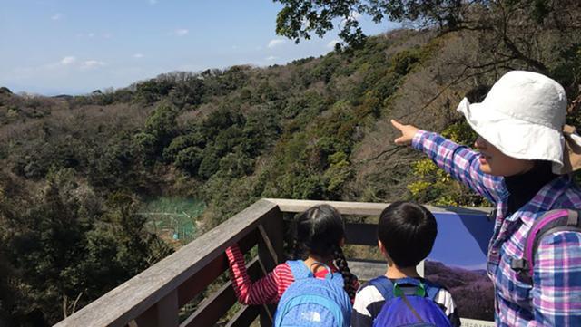 画像: 母と子で楽しいハイキングに出かけよう!