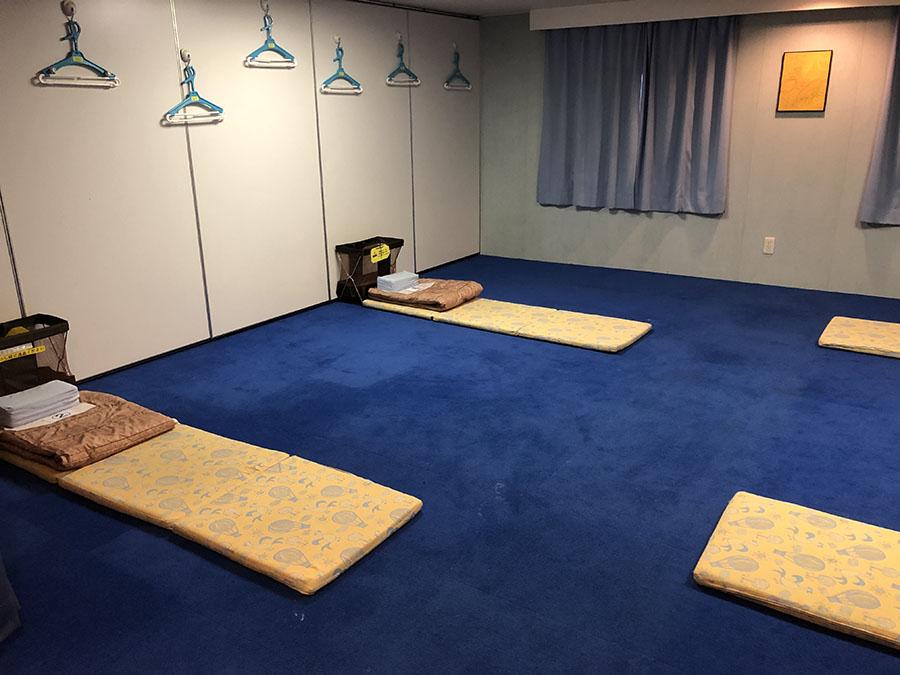 画像: 就寝スペースは、2等室でも「密」にならないように、1ルーム4人まで。