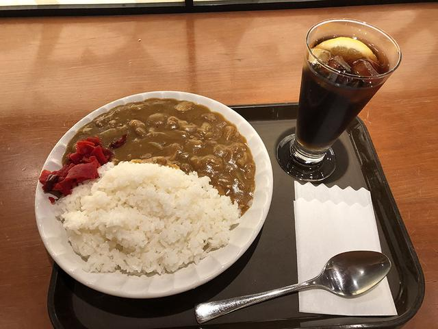 画像: 並盛りの「賄いカレー」(520円)は美味。