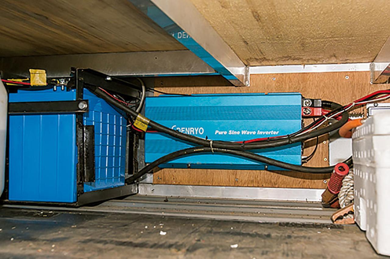 画像4: 電源装備の充実ぶりにも注目