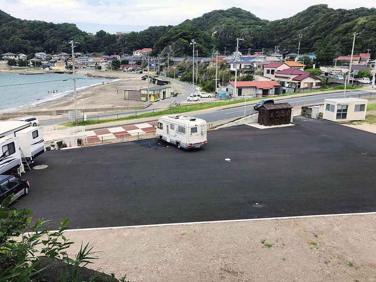 画像2: 冨浦海岸まではだしで行ける! リゾート気分たっぷりのRVパーク