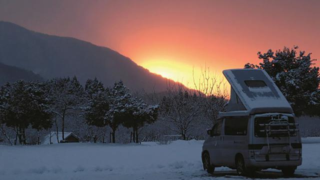 画像: 車と体、そして凍結。 抜かりない対策が冬車中泊のコツ
