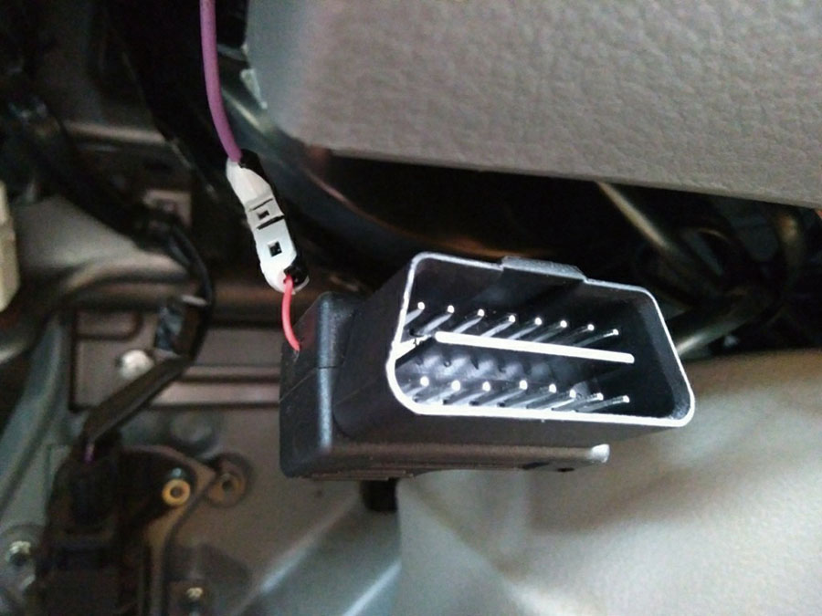 画像3: なんと、ヘッドアップディスプレイを後付けで装備!