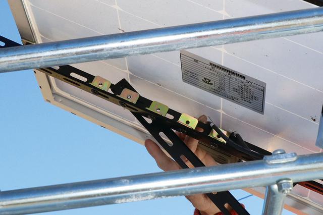 画像2: 可変式のソーラーパネルで、電気の確保は万全! 災害にも備える
