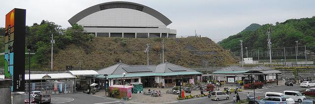 画像: 道の駅 風早の郷風和里(愛媛⑳) 仮眠環境 ◎ 駐車場も広く海に面した最高なロケーション。レストランも併設され、夕食も食べられる。写真/アラツク
