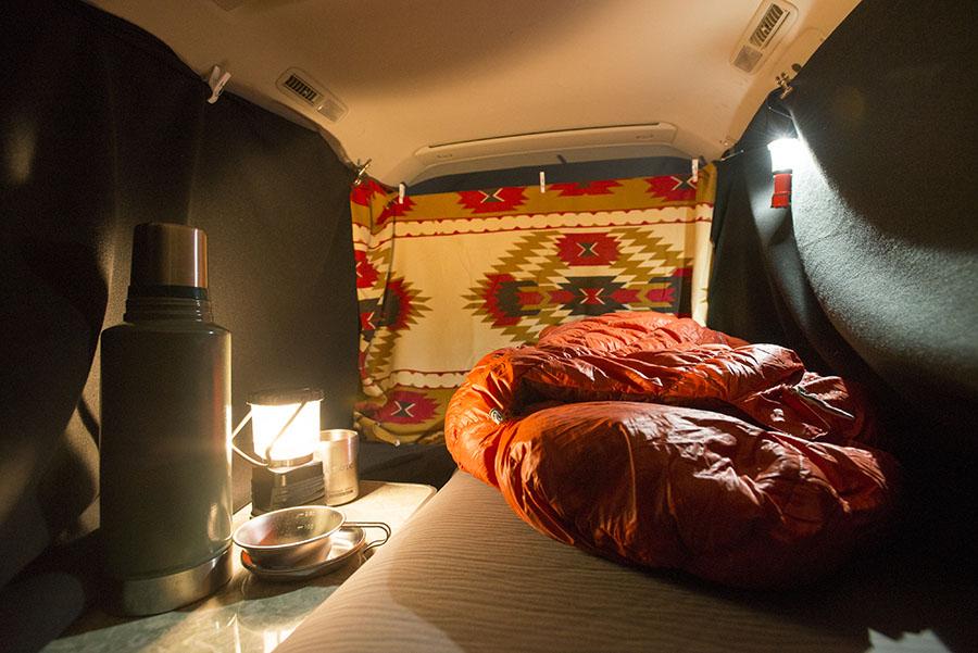 画像: 車中泊で快眠するなら、車中泊マットやエアベッドを用意!
