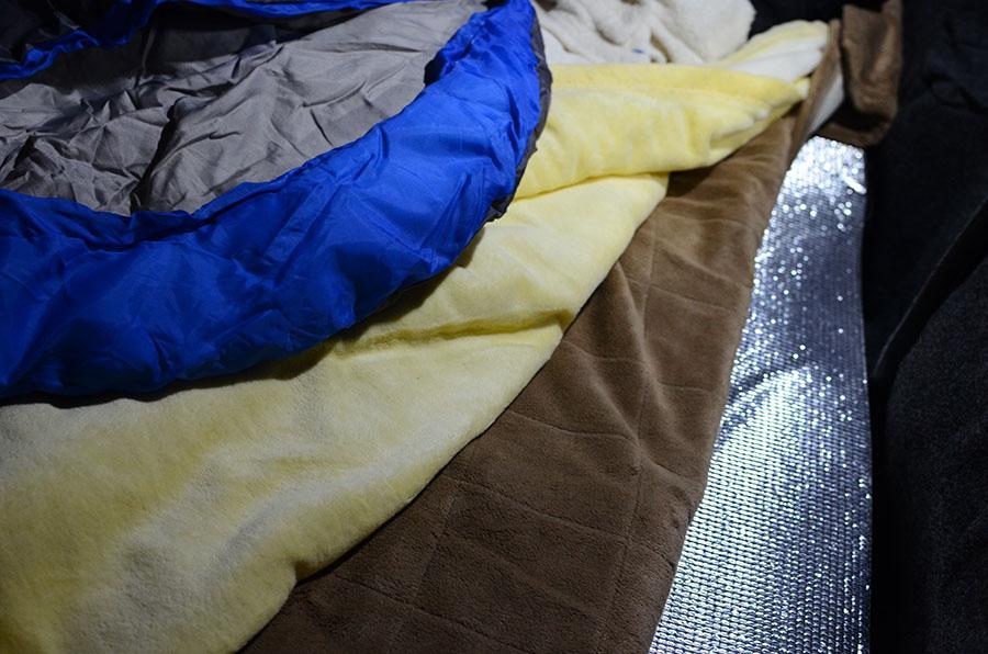 画像2: 銀マットを使って冷気をシャットアウト!