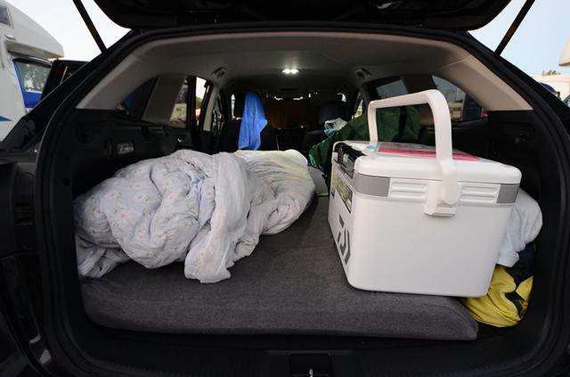 画像1: テンピュールは車中泊も快適にする