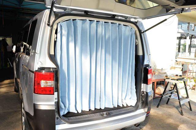 画像: 第3位 車中泊の必需品! カーテン、シェードのメリット・デメリットを解説。選び方のポイントは?