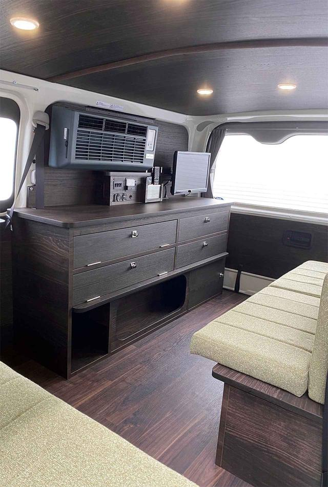 画像: 第5位 エアコン搭載のキャンピングカーは夏車中泊の救世主⁉ 家庭用エアコン搭載が近年流行中!