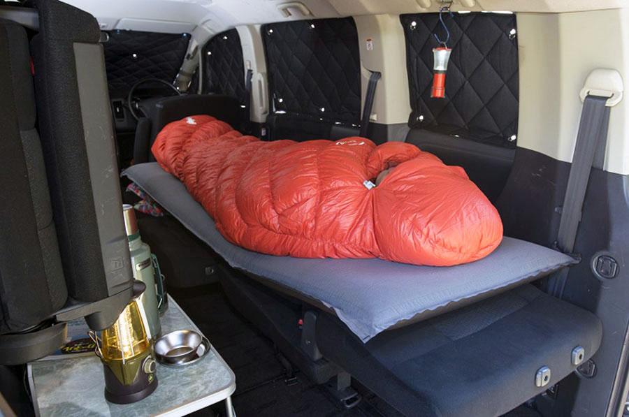 画像1: 車中泊の必需品は日用品で代用できる!?