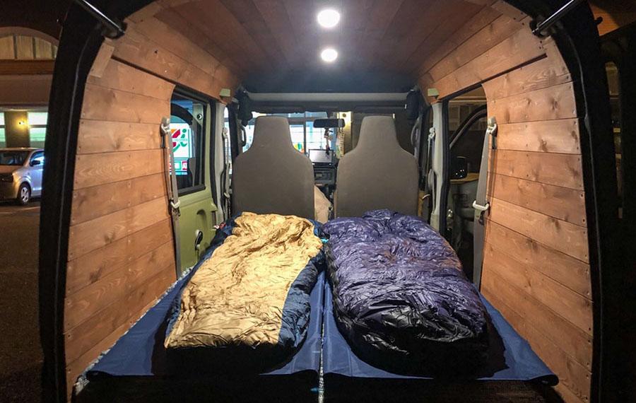 画像2: テント設営より大変!? おかあさんの車中泊