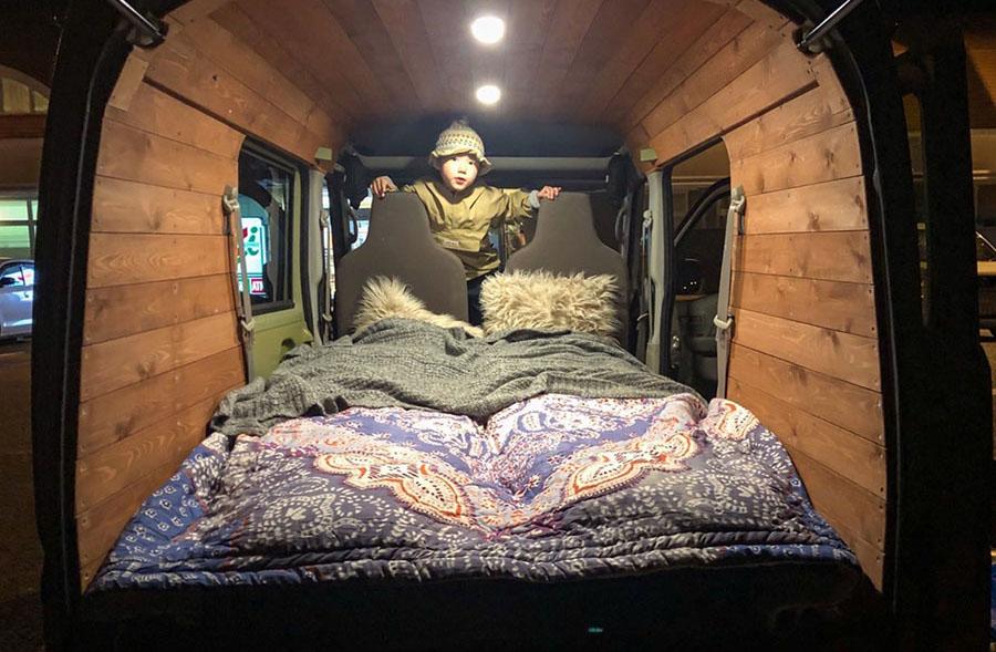画像3: テント設営より大変!? おかあさんの車中泊