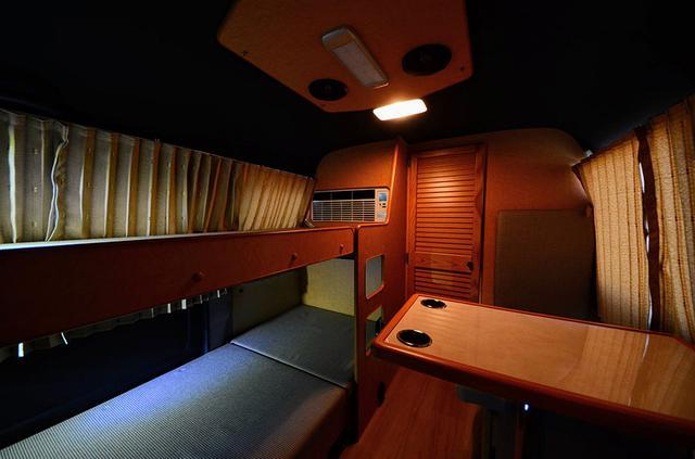 画像: 寝台列車のような空間が贅沢な時間を提供