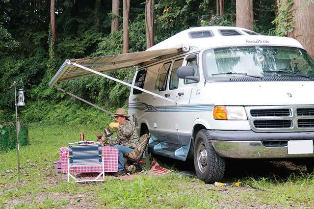 画像: 車中泊歴はバンからSUVへ。その後、国産キャンピングカーを所有。現在はドリーバーデン23fとロードトレック190を使い分けている。