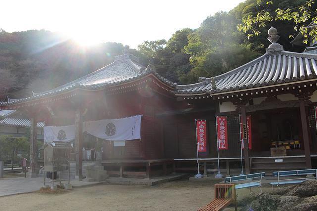 画像: 69番札所 観音寺。68番札所・神恵院とともに、ひとつの境内にあるとても珍しい霊場で、納経は1カ所でふたつ一緒にできる。