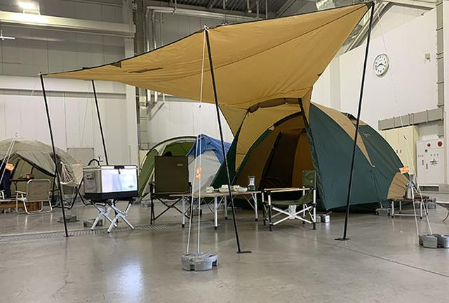 画像1: ドームテントの建てやすさにタープをプラス/コールマン