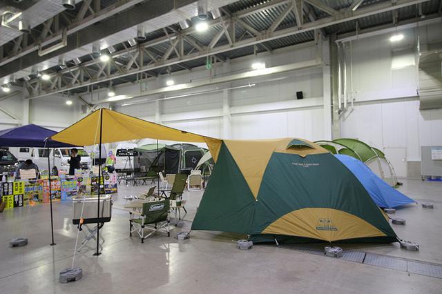 画像2: ドームテントの建てやすさにタープをプラス/コールマン
