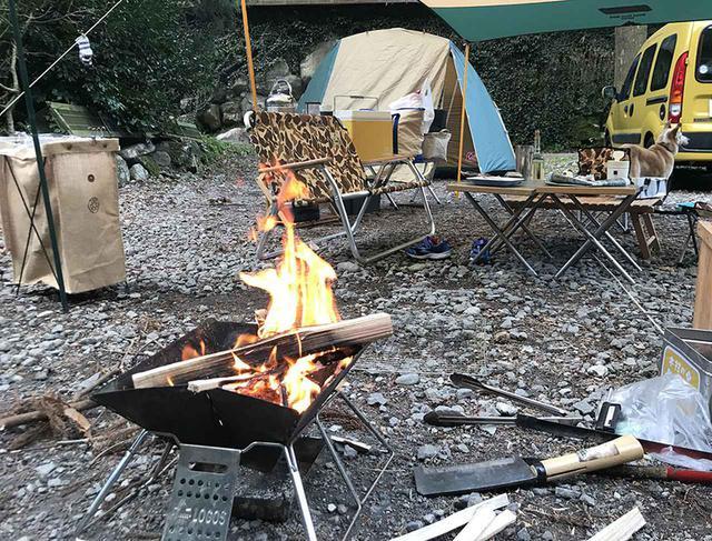 画像: みんなの焚き火の仕方、キャンプ場側はどう感じてる?