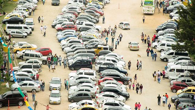 画像: 駐車場内での最適な車中泊場所はココだ! 車中泊快眠するための7つのポイント! - アウトドア情報メディア「SOTOBIRA」