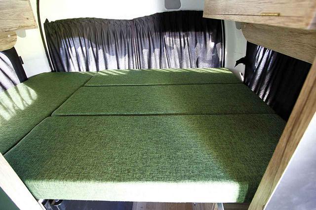画像3: シート下に床暖房を設置した、一年中快適なナローモデル