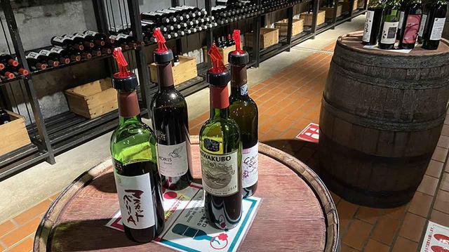 画像5: ④約200銘柄のワインを試飲できる「ワインカーヴ」で、気分はクルマ旅ソムリエ!
