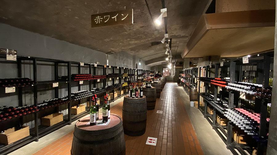 画像4: ④約200銘柄のワインを試飲できる「ワインカーヴ」で、気分はクルマ旅ソムリエ!