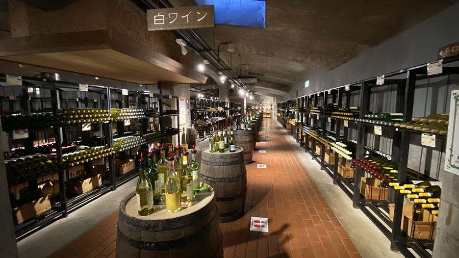 画像3: ④約200銘柄のワインを試飲できる「ワインカーヴ」で、気分はクルマ旅ソムリエ!