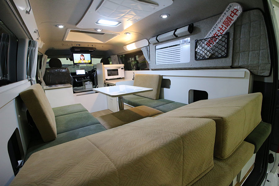 画像: 【キャンピングカーショーに行ってきた!】居・食・寝のこだわりモデル+車中泊旅で注目のキャンプ用品(1) - アウトドア情報メディア「SOTOBIRA」