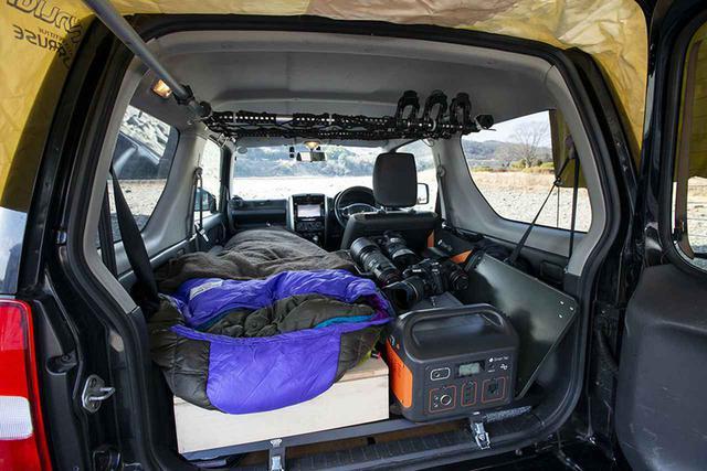 画像2: べニア板+登山用マット&寝袋