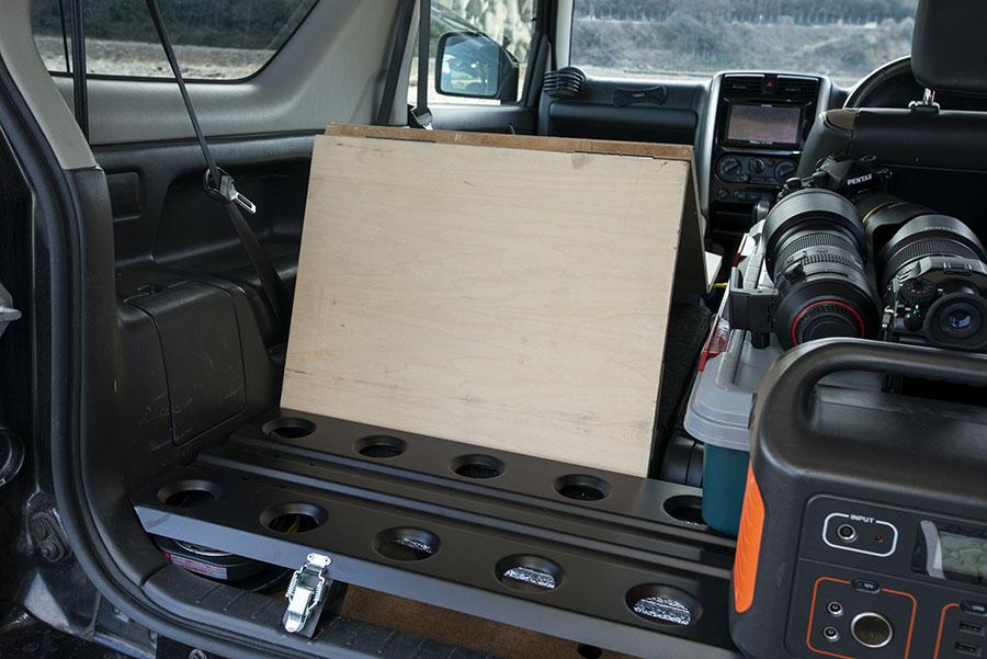 画像7: ポイント① 折りたたみできる自作のベッド