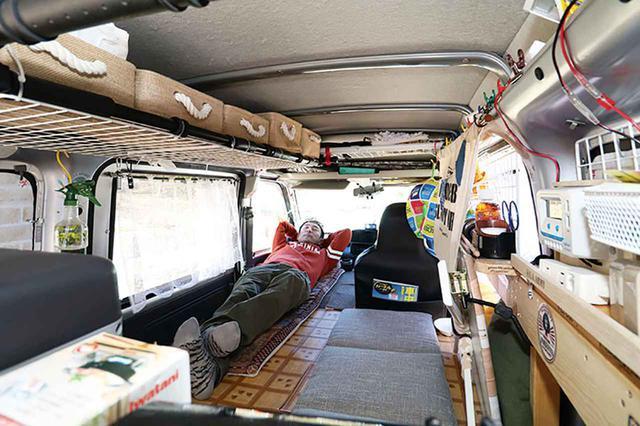 画像: 軽バンをこだわりまくりのDIYで車中泊仕様に!大容量収納&電気を確保して災害にも備える! - アウトドア情報メディア「SOTOBIRA」