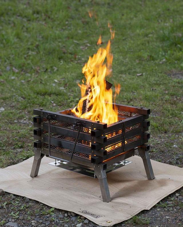 画像1: メッシュ窓から見える、ゆらめく炎がキャンプの夜を幻想的に!