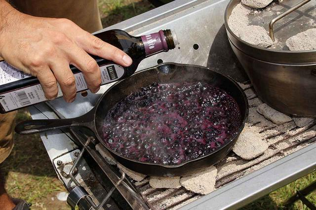画像3: ブルーベリーソース漬けのスペアリブ