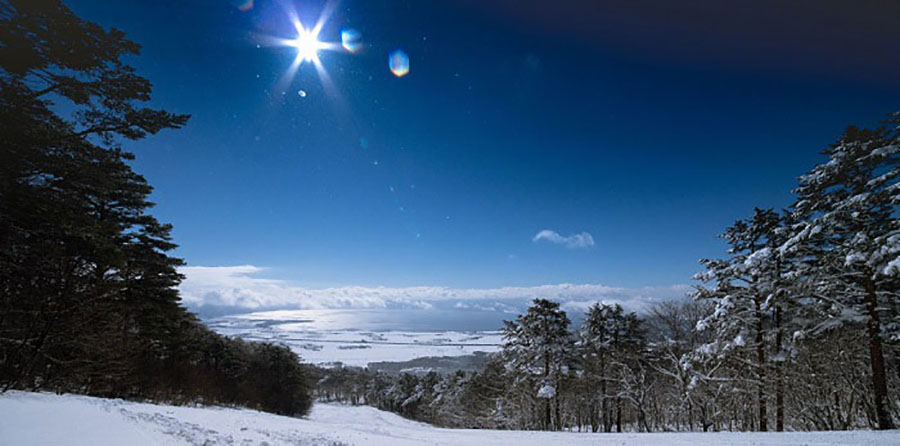 画像3: 磐梯山と猪苗代湖。条件がそろえば雲海も!