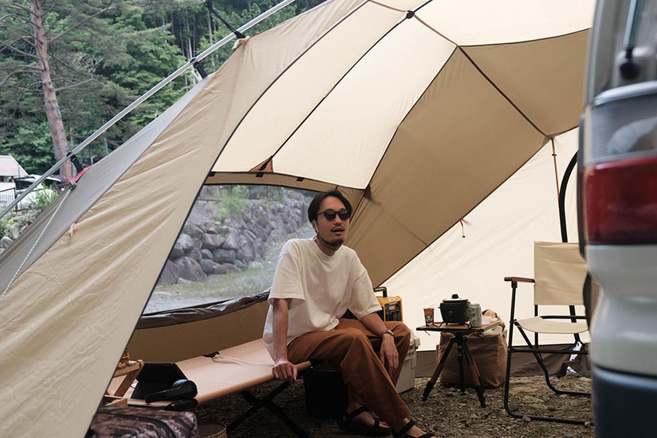 画像: Instagram @shonan_vanlife さん キャンプ歴は約10年。テント泊からスタートし、最近は車中泊キャンプが多いという。愛車は三菱・デリカスペースギアで、低コストな材料を使用して車内をDIY。お気に入りのキャンプ場は、ふもとっぱら。