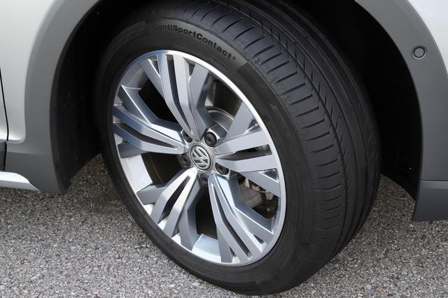 画像3: 【Continental Tires】パサート オールトラックにコンチネンタルタイヤが純正装着