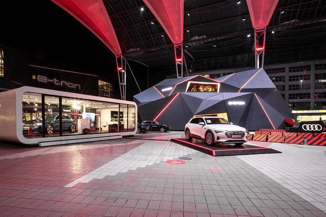 画像1: Audiのパビリオンがミュンヘン空港に出現