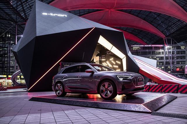 画像3: Audiのパビリオンがミュンヘン空港に出現