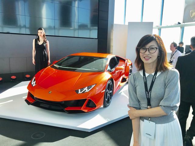 画像1: 「私たちはスーパーカーではない。ランボルギーニである」の吉田由美的解釈 ~ランボルギーニ・ウラカンEVO日本上陸