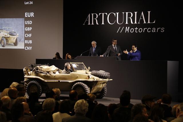 画像10: あの「シュヴィムワーゲン」はおいくら?  パリの旧車オークション