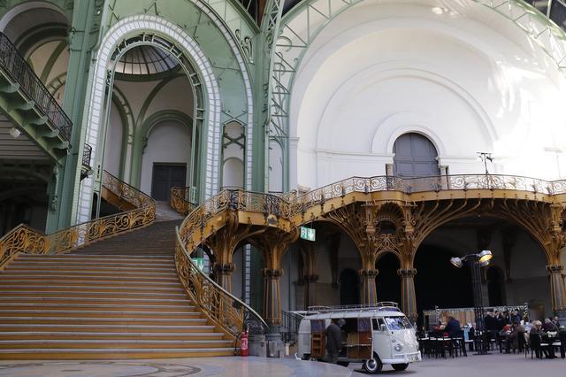 画像2: あの「シュヴィムワーゲン」はおいくら?  パリの旧車オークション