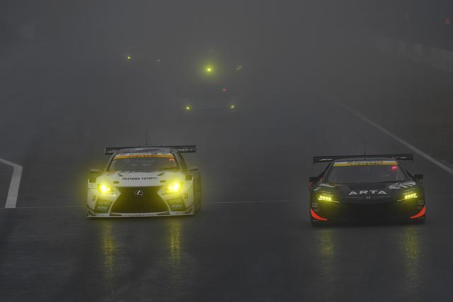 画像5: 【SUPER GT Rd.1 Okayama】82周のレースは雨のため31周で終了