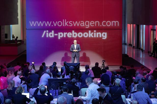 画像1: VWの新EVの名前が「ID.3」に決定 ヨーロッパでは予約注文開始