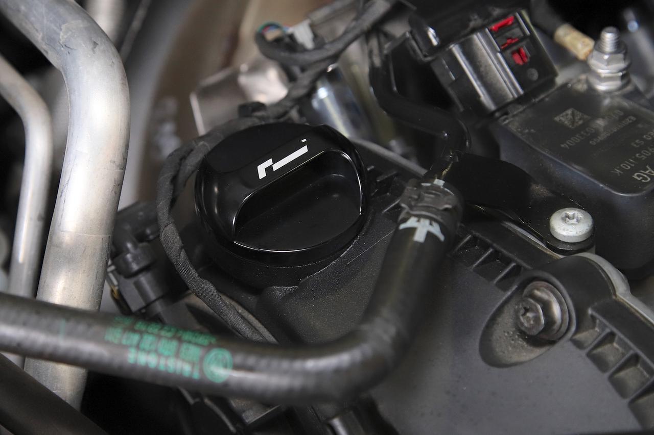 画像: ビレット・エンジンオイル・フィラーキャップ