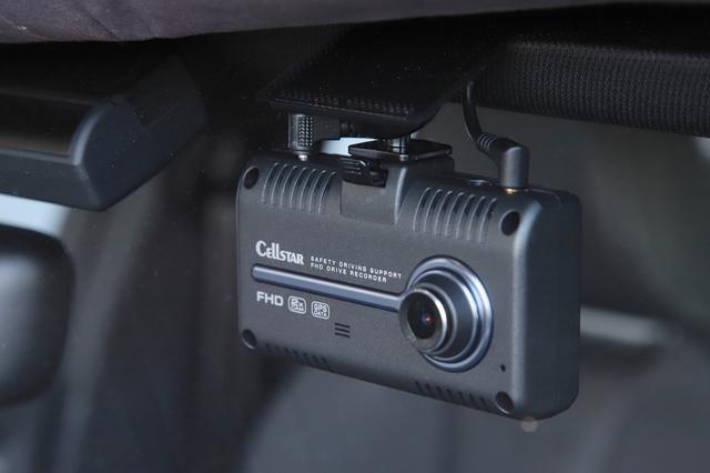 画像1: 【RS 3 Sportback】安心・安全のためにドラレコ装着