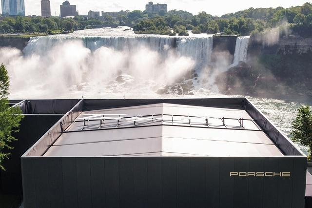 画像: ナイアガラの滝