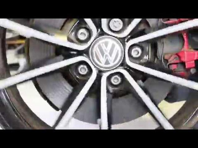 画像: VW Dynamic hub cap youtu.be