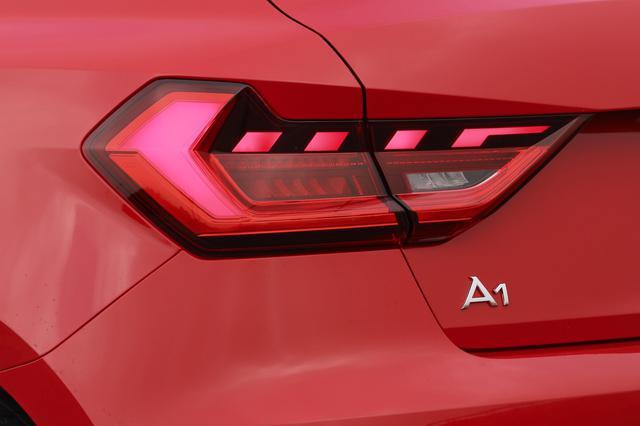画像1: 【ミニ試乗記】Audi A1 Sportback 35 TFSI Advance